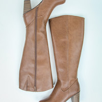Classic Boots in Caramel