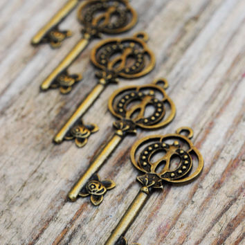 Antique Bronze Brass Vintage Style Key Charm 1pc Jewellery Findings Jewellery Making diyforstyle