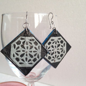 Handmade Hanji Paper Dangle Earrings Diamond Black Silver Floral Pattern Hypoallergenic hooks Lightweight Ear rings