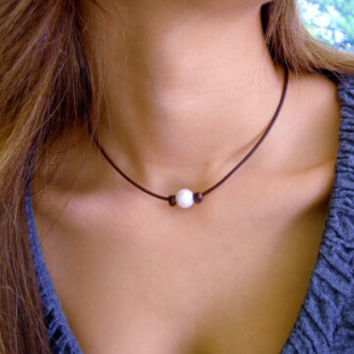 Pearl and Leather Necklace Choker