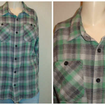 vintage CHECKERED plaid green blue gray button up oversize small medium retro soft comfy FLANNEL shirt women unisex hipster grunge