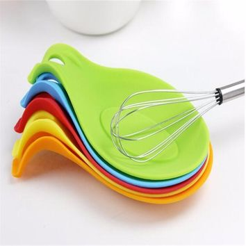 Silicone Spoon Insulation Mat Silicone Heat Resistant Placemat Tray Spoon Pad Drink Glass Coaster hot sale Kitchen Tool