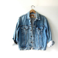 Vintage LEVIS Jean Jacket. Denim Jacket. Distressed and worn in. Dark wash denim jacket