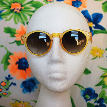 The Vance | Vintage Small Yellow Green Circle Keyhole Sunglasses Retro Round Glasses