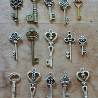 Key Charms | 15 Assorted Charms | Jewelry Supplies | Necklace Charms | Charm Bracelet Supplies | Jewelry Making Supplies | Destash