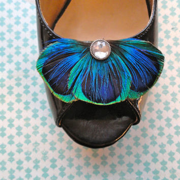 Blue Peacock Feather Shoe Clips by Lucyohlucy on Etsy