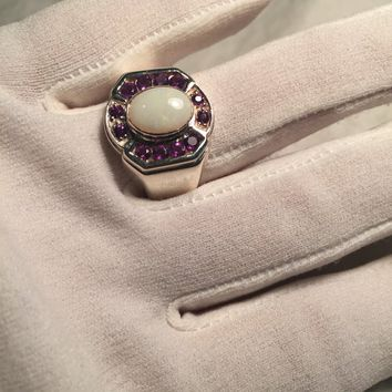 Vintage Handmade white Opal surrounded by pink toumaline Sterling Silver Rhodium Ring
