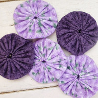 Quilting yo-yos, fabric yo-yos, floral fabric, sewing yo-yos, purple fabric yo yos,  ready to ship, handmade, cotton fabric, sewing notions