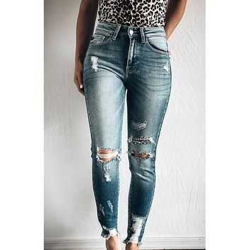 TAYLOR MADE DISTRESSED HIGH RISE ANKLE SKINNY