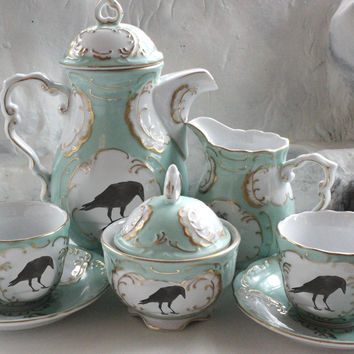 Green and Gold Raven Tea Set, 11 Pieces