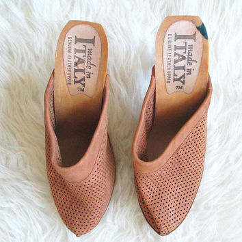 Wms Vintage Italian Leather Perforated Wooden Heel Mule Clogs Sz 5