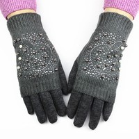 2017 New Women Fashion Gloves Knitted Do Not Down Cotton Thicker Thermal For Jacket Drill Beads To Wear Style