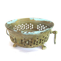 Copper home decor. Small bowl. Patina copper. Footed bowl. Bowl with handles. Metal bowl. Copper bowl. Vintage filigree bowl. Ring handles