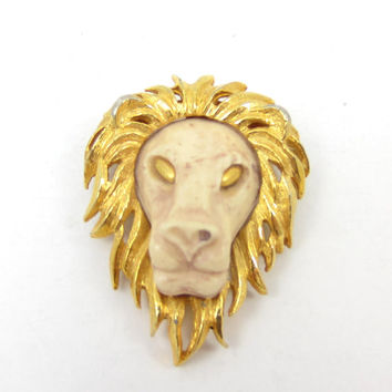 Razza Lion Head Pin Brooch Resin Jewelry Lion Cub Animal Jewelry Vintage Costume Jewelry Designer Signed Leo Shawl Scarf Lapel Pin