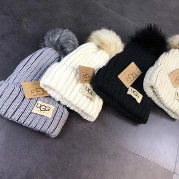 PEAPON ' UGG '' Women Knit And Pom Hat Cap