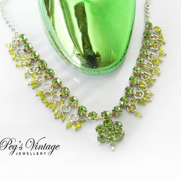 Pretty Vintage Peridot Green Rhinestone Necklace, Silver tone Drop Necklace/Choker