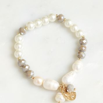 Beaded Pearl Bracelet Grey