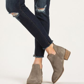 Seychelles Offstage Suede Taupe Boots