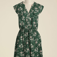 A Way With Woods Floral Dress in Fern | Mod Retro Vintage Dresses | ModCloth.com