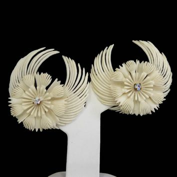White Celluloid Starburst Flower Earrings, Clear Rhinestone Centers, Tropical Vacation Brides Wedding Jewelry, Vintage 1940s 1950s Clip Ons
