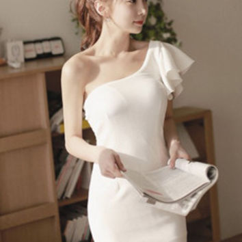 Ladylike Sloping Shoulder Bodycon Sheath Dress Flounced Backless Asymmetric Homecoming Dress