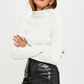 Missguided - White Roll Neck Crop Knitted Jumper