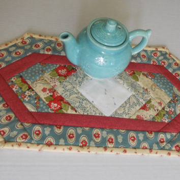 Urban Chic Quilted Table Topper Candle Mat Mug Rug Teal Rose Ivory