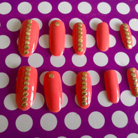 Set of 10 almond shaped false nails by GraliceInWonderland on Etsy