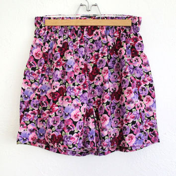 Vintage 80s Bright Floral Pink Pansy Shorts // High Waisted Summer Beachwear