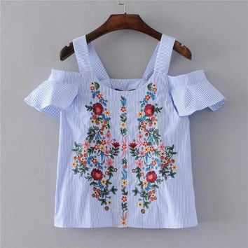 LMFONHS New 2017 Women Summer Fashion Blusa Off the Shoulder Short Butterfly Sleeve Floral Embroidery Casual Blouse Femme