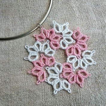 Tatted Lace pendant, Tatting, Frivolite, pendant, Handmade, Art Collectibles, Fiber Arts, Tatting Lace,Jewellery, Necklace,