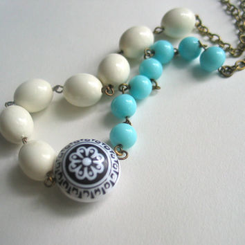 vintage beaded necklace robins egg blue