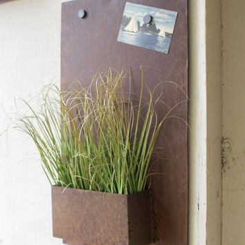 Rustic Metal Wall Plant Holder - Vertical