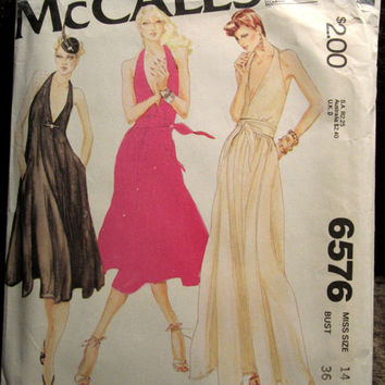 Vintage 70s McCalls 6576 American Hustle Deep V T-back halter Evening Disco Dresses Size 14 Bust 36 UNCUT