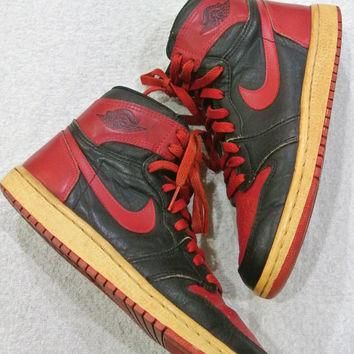 FREE SHIPPING Vintage 1985 Nike Air Jordan 1 Red & Black Banned Shoes Size 8.5