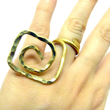 Big brass wire ring , hammered chunky ring , Nugold brass , gold ring , statement jewelry , big rings