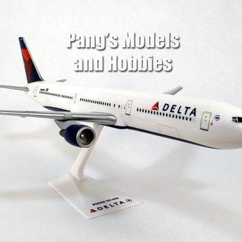 Boeing 767-400 (767) Delta Airlines 1/200 Scale Model by Flight Miniatures