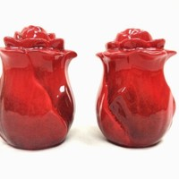 2-Pieces Salt & Pepper Shaker Set, Ruffle Red Flower,