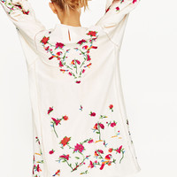 FLORAL EMBROIDERED DRESS DETAILS