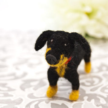 Miniature Dachshund, Dachshund ornament, Needle felted dachshund, Wiener dog art, Dog figurine, Custom pet portrait