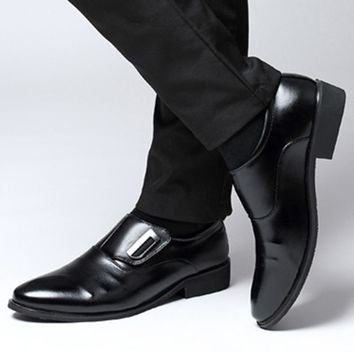 Men Casual Shoes PU Leather Oxford Patent Flats Pointed Toe Classic Formal Shoes Male Black Brown Hombre Plus Size 38-47