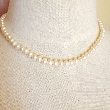 Pearl choker necklace, pearl necklace, bridal necklace, necklace gift, bridesmaid gift, gift for her, pearl jewelry (Small sized pearl)