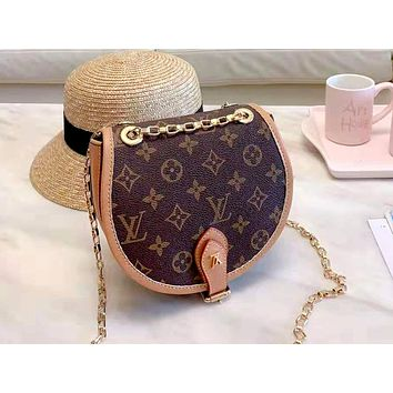 LV 2019 new wild one shoulder chain handbag semi-circle saddle bag