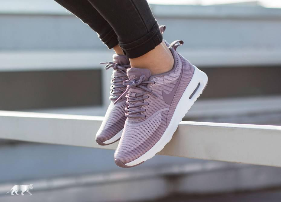 nike wmns air max thea txt plum fog from. Black Bedroom Furniture Sets. Home Design Ideas