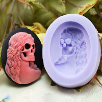 Skull Shape Silicone Handmade Soap Mold to make different cakes