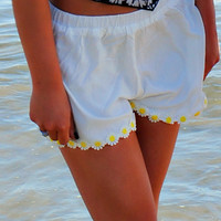 DARLING DAISY WHITE SHORTS