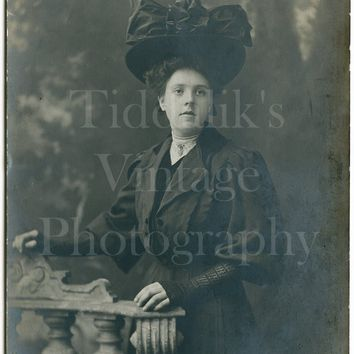 Edwardian Beautiful Young Woman, Huge Hat & Giant Bow, Studio Portrait - Real Photo Postcard RPPC - Mercer Bros. Liverpool - Antique Photo