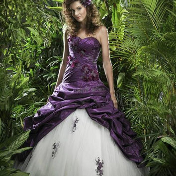 Wedding Dress Beaded 2017 Purple and White Taffeta Lace Applique Bridal Gowns Gothic Plus Size Gown casamento  Dresses
