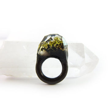 Lichen Moss Terrarium Resin Ring • Size 4.5 • Eco Resin Ring • Asymmetrical Unusual Ring • Faceted Resin Terrarium Ring • Nature Resin Ring