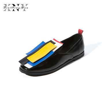 XIUNINGYAN Women Oxfords Brogue Shoes Patent Leather Slip-on Square Toe Flats Casual Mixed color Shoes Women Plus size 43
